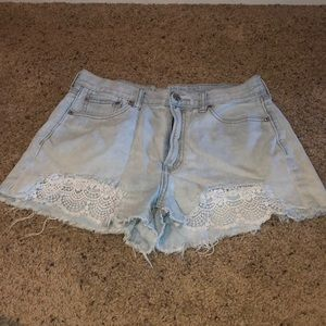 Junior's American Eagle Distressed Shorts w/ lace